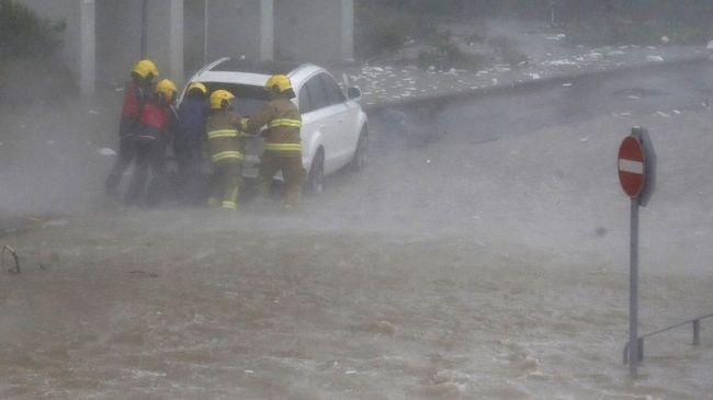 Siklon Titli Terjang India, 300 Ribu Orang Dievakuasi