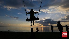 Survei: Penduduk Indonesia Kangen Wisata ke Pantai