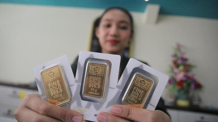 Stabilnya harga emas Antam itu tidak sejalan dengan koreksi tipis kemarin meskipun tren penguatan emas dunia yang masih terjadi.