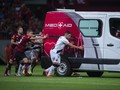 Pemain Liga Brasil Dorong Ambulans Mogok di Lapangan