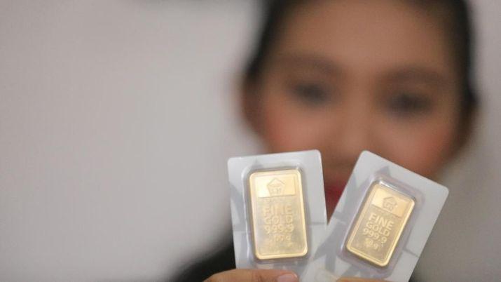 Harga Emas Antam Turun Tahta Reli 5 Hari Terhenti
