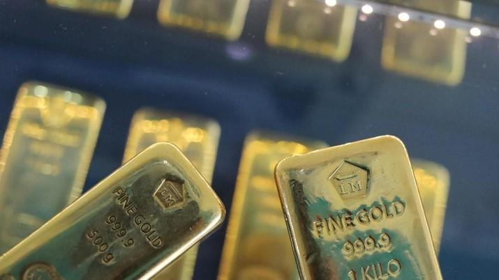 Dihajar Dolar AS, Harga Emas Dunia Keok