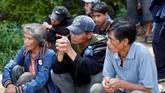 Presiden Rodrigo Duterte pun dijadwalkan mengunjungi situs longsor di Benquet pada Senin (17/9). (Reuters/Erik De Castro)