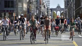 FOTO: 'Minggu Bergerak' Cara Brussel Jadi Lebih Sehat