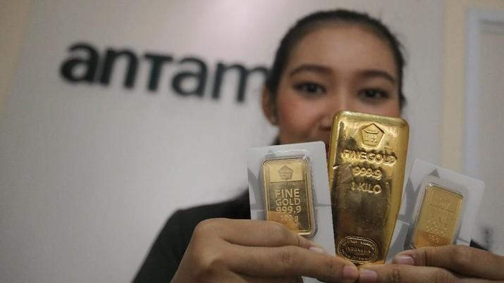 Masih Takut Corona, Harga Emas Antam Drop Rp 1.000/gram
