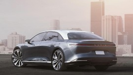 Arab Saudi 'Suntik' Rp14,9 T ke Pesaing Tesla
