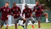 Sadio Mane (kedua dari kanan) salah satu penyerang tumpuan Liverpool. Kehadirannya membuat The Reds sebagai tim dengan kekuatan menakutkan di lini depan. (Reuters/Carl Recine)