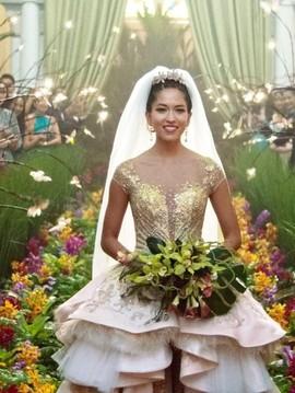 Bujet Murah di Balik Gaun-gaun Mewah Crazy Rich Asians