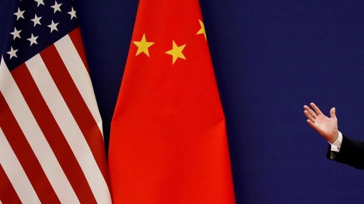 Tuh Kan! AS-China Bikin Harga Emas Antam Turun Seceng