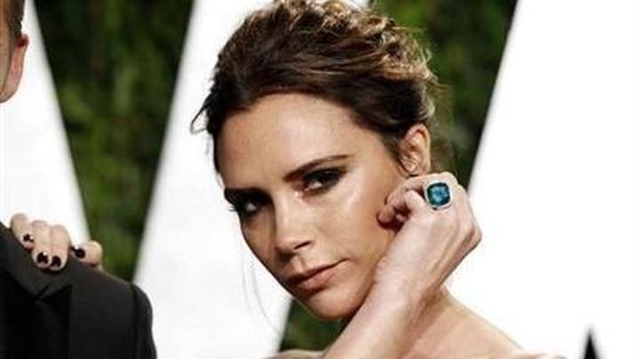 Victoria Beckham sukses membangun kerajaan bisnisnya, mengawali karir dengan bergabung spice girl.