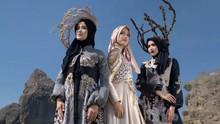 Desainer Busana Muslim Surabaya Bawa Batik Jember ke Paris
