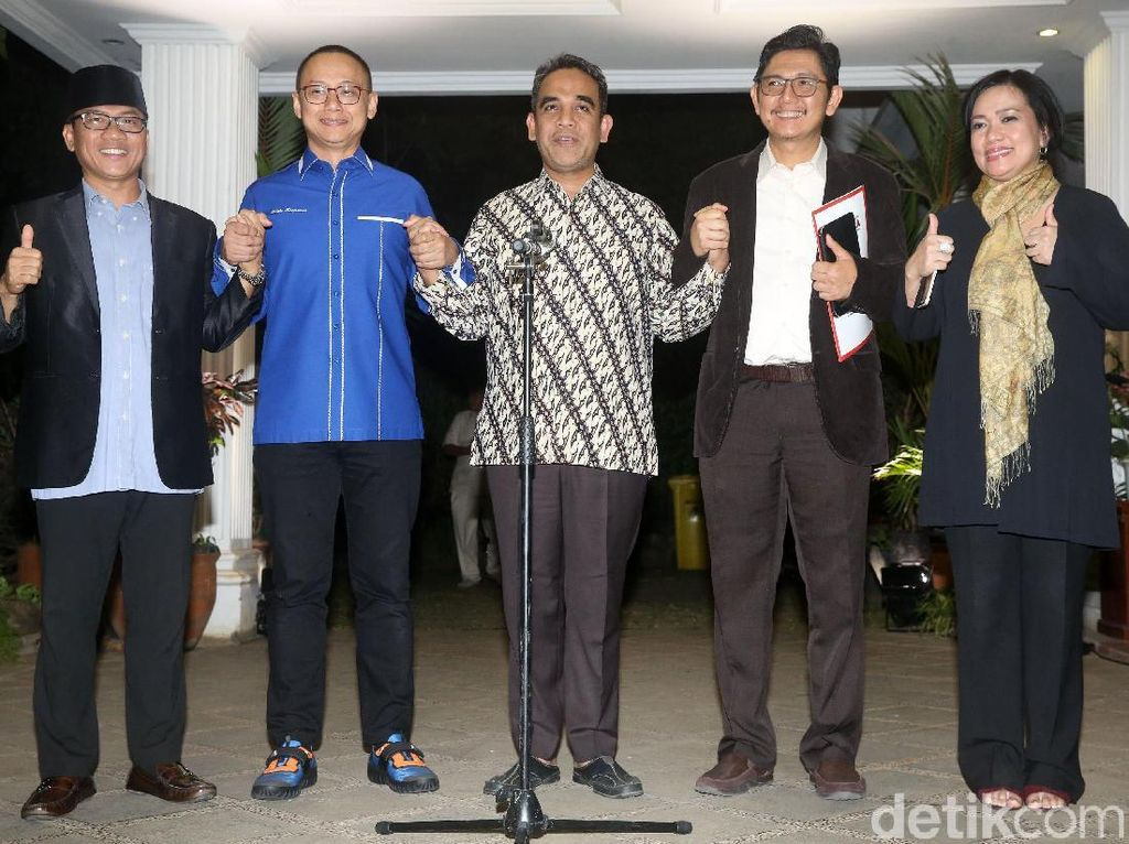 Momen Kubu Prabowo Launching Nama Koalisi Indonesia Adil Makmur