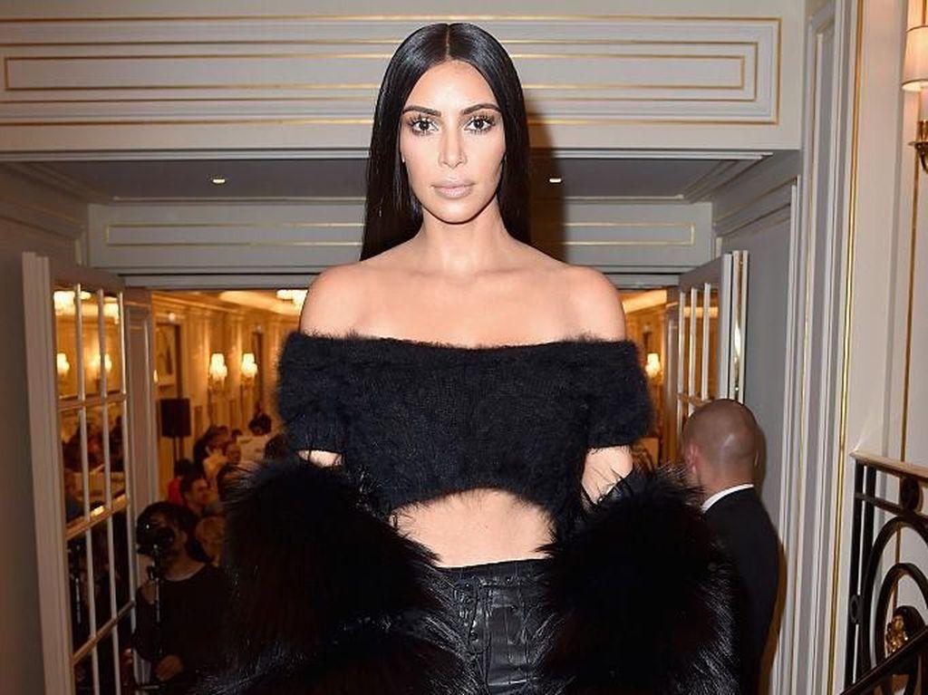 Mengungkap Keaslian Bokong Kim Kardashian, Natural atau Palsu?