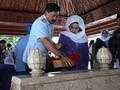 TNI Ziarahi Makam Tiga Presiden Jelang HUT ke-73