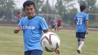 Maradona dari China Masih Sering Bermain Bola di Usia 63