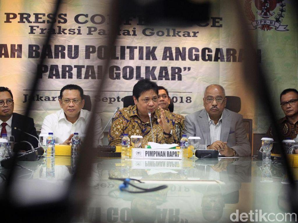 Hal itu disampaikan Airlangga saat konpres di ruang Fraksi Golkar di ruang Nusantara I Komplek Parlemen, senanyan, Kamis (20/9/2018).