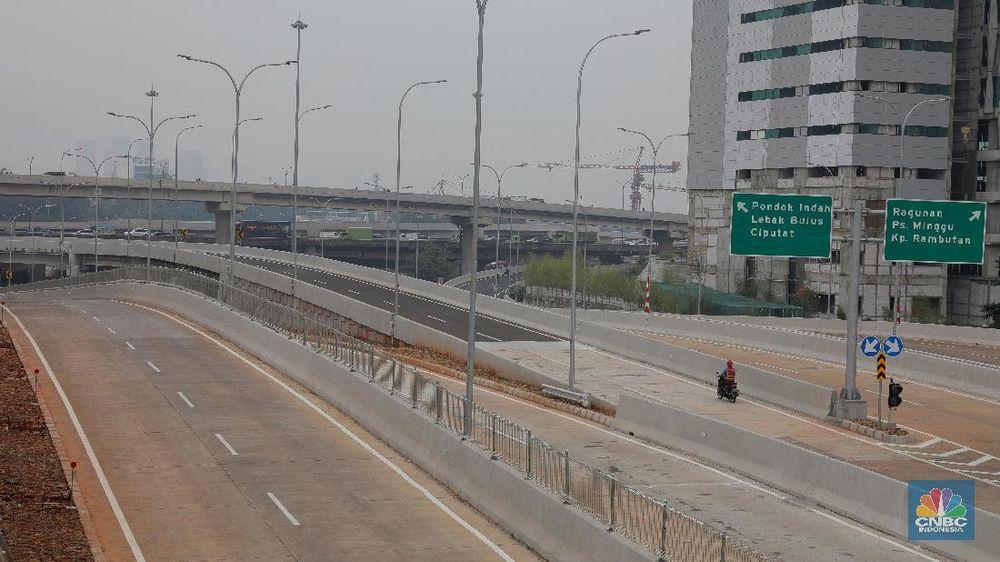 Kementerian PUPR menargetkan Tol Depok-Antasari Seksi I Antasari-Brigif/Cinere akan beroperasi pada akhir September 2018.