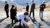 Beberapa pejabat senior Korsel yang menemani Moon menyarankan untuk mengajak Kim dan istrinya ke Gunung Halla, dataran tertinggi dan tempat wisata indah di negara mereka. (Pyeongyang Press Corps/Pool via Reuters)