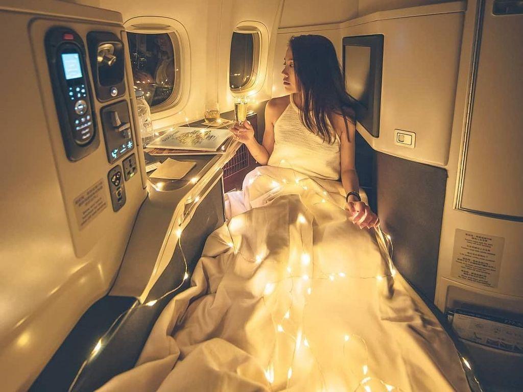 Foto Cantik di Kelas Bisnis Pesawat, Selebgram Ini Malah Terima Kritikan