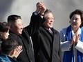 Kim Jong Un Beri Hadiah Sepasang Anjing Kepada Moon Jae-in