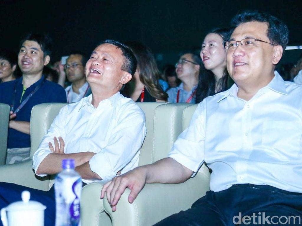 Penampilan Terakhir Jack Ma Sihir Pesta Teknologi Alibaba