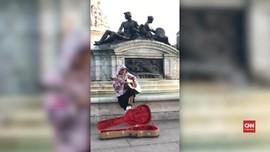VIDEO: Justin Bieber 'Ngamen' Demi Hailey Baldwin