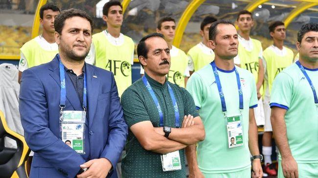 Dikalahkan Timnas Indonesia U-16, Pelatih Iran Salahkan Hujan