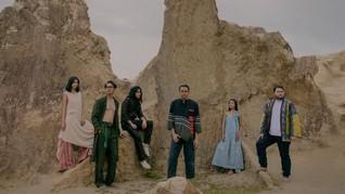 Antartika dalam Video Musik 'Guna Manusia' Barasuara