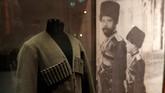 Nikolai II menghadapi berbagai polemik internal negerinya. Iadipaksa untuk memberlakukan sebuah konstitusi, namun membatasi pengaruh dan kekuasaan Majelis Perwakilan. (REUTERS/Peter Nicholls)