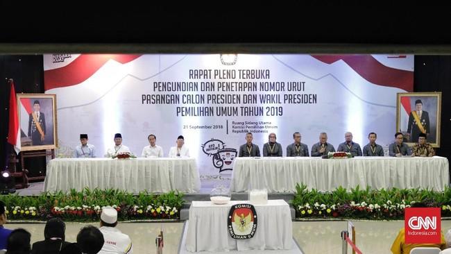 Nomor urut capres-cawapres itu didapat berdasarkan hasil undi yang digelar oleh Komisi Pemilihan Umum (KPU), Jumat (21/9) malam.