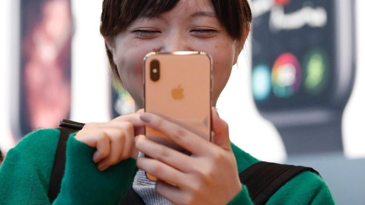 Apple Lawan Balik Larangan Jual iPhone di China