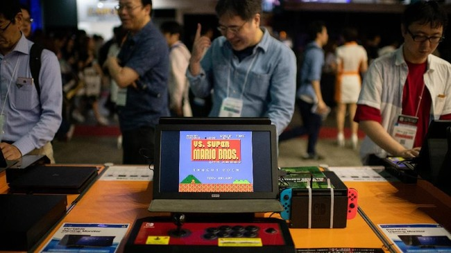 Langkah Sony ini muncul dua tahun setelah saingan beratnya, Nintendo, meluncurkan NES. (AFP PHOTO / Martin BUREAU)