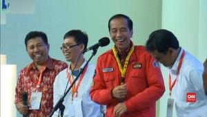 VIDEO: Jokowi Ledek Anak Sastra UGM