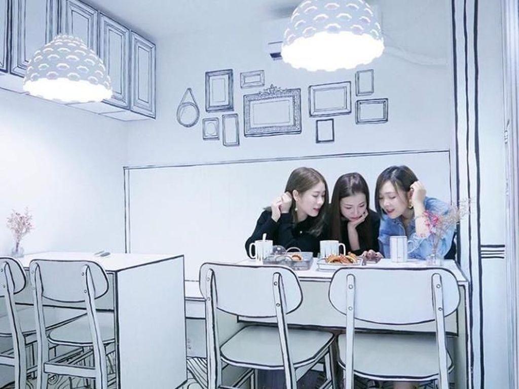 Unik! Makan di Kafe Ini Bikin Kamu Serasa Masuk ke Dunia Komik