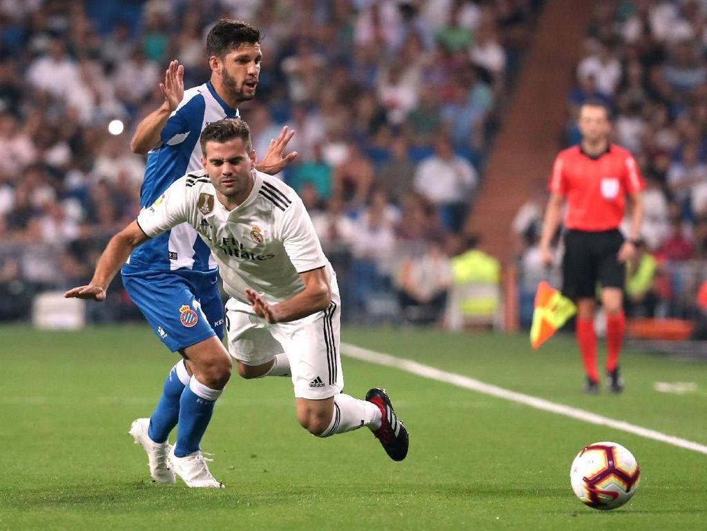 Dalam pertandingan pekan keempat Liga Spanyol di Santiago Bernabeu, Minggu (23/9/2018) dini hari WIB, Madrid mengistirahatkan sejumlah pemain. Marcelo, Toni Kroos, dan Gareth Bale tak diturunkan sejak menit pertama. REUTERS/Susana Vera.