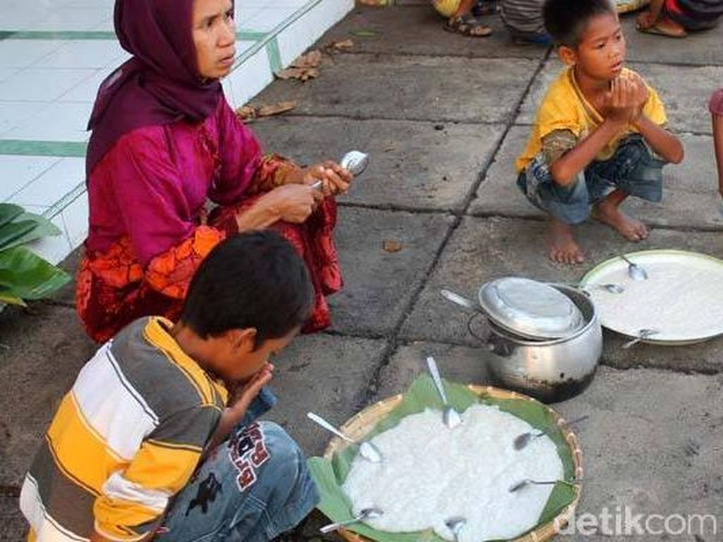 Tradisi Usir Bala dan Arwah Jahat Ala Warga Dompu