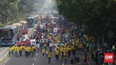Komisi Pemilihan Umum menggelar acara karnaval deklarasi kampanye damai dalam rangka Pemilu 2019 pada Minggu (23/9). Acara yang harusnya dimulai pukul 06.00 WIB diundur menjadi pukul 08.00 WIB. (CNN Indonesia/Andry Novelino).