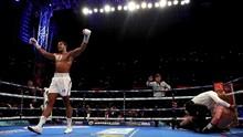 FOTO : Anthony Joshua Menang TKO Atas Alexander Povetkin