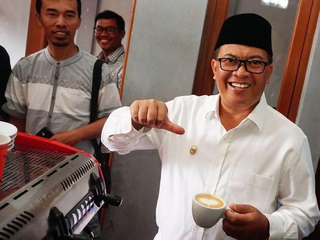 Mang Oded, Walikota Bandung yang Jago Bikin Kopi dan Suka Tahu Bakso