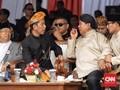 Kampanye Damai: Jokowi Berikat Udeng, Prabowo Pakai Blangkon