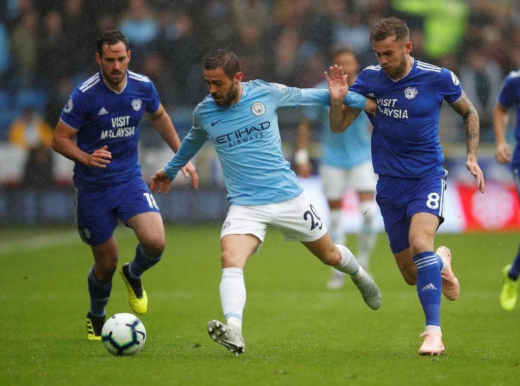 Gol ini membuat City semakin bersemangat. Serangan-serangan mereka semakin tajam sementara Cardiff terlihat terdesak dan berada dalam tekanan. REUTERS/Andrews Boyers.