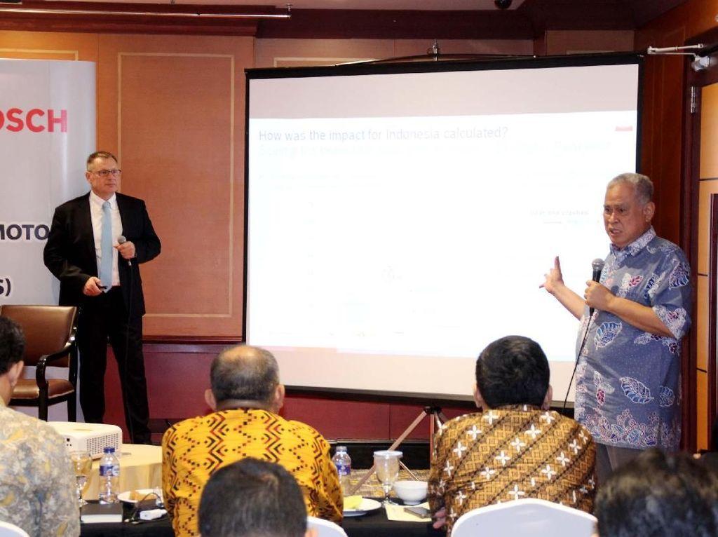 Dalam diskusi tersebut antara lain membahas Sistem Keselamatan pada Kendaraan Bermotor. Diakui bahwa ABS mampu mengurangi kecelakaan hingga 27% di Indonesia. Foto: dok. Bosch