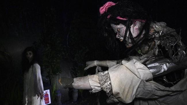 Halloween adalah perayaan yang dilaksanakan oleh sejumlah negara pada tanggal 31 Oktober.