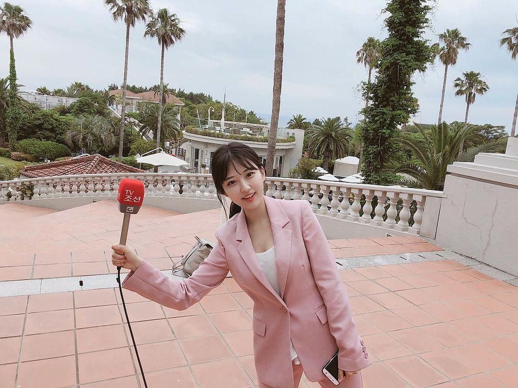 Tersihir Pesona Reporter Korea yang Cantiknya Buat Pria Betah Nonton Berita