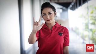 Krisdayanti Promosi Diri Sendiri di Kampanye Akbar Jokowi