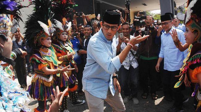 Sandi Tantang Jokowi Blusukan Cari Variasi Ukuran Tempe