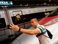 FOTO: Kereta Turbo dari Hong Kong