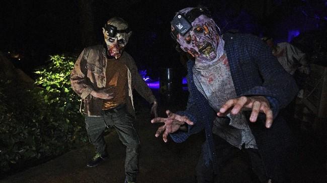 Bukan kali pertamanya Universal Studio Singapura mendatangkan berbagai jenis hantu untuk merayakan pesta Halloween. Tahun ini adalah tahun kedelapan perayaan Halloween di tempat ini.