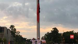VIDEO: Bendera Setengah Tiang Hormati Presiden Vietnam