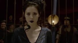 Fan Protes Claudia Kim Jadi Nagini di 'Fantastic Beasts 2'
